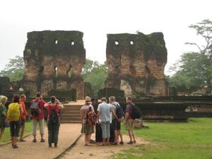 Polonnaruwa: this used to be a city of the middle ages