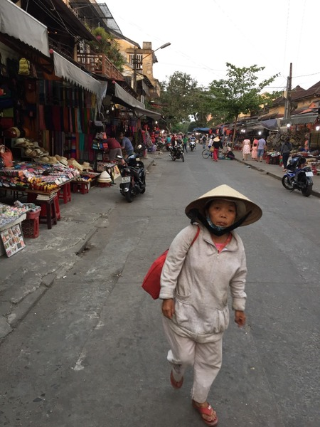 Oud vrouwtje in Hoi An