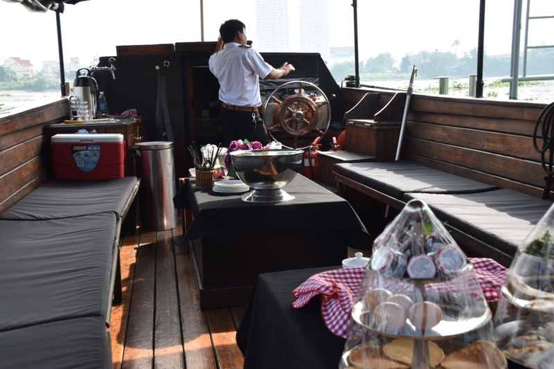 Breakfast at the saigon river