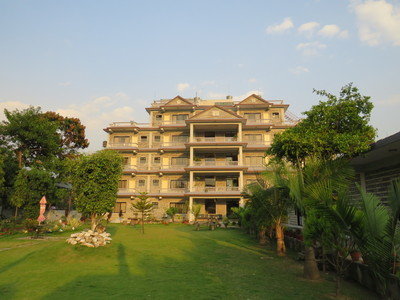Pokhara Crown Himalayas Hotel accommodatie overnachting Djoser