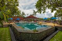 Aditya Beach Resort Lovina zwembad Indonesie