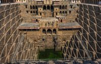 Chand Baori (waterput) Abhaneri Step Well India Djoser
