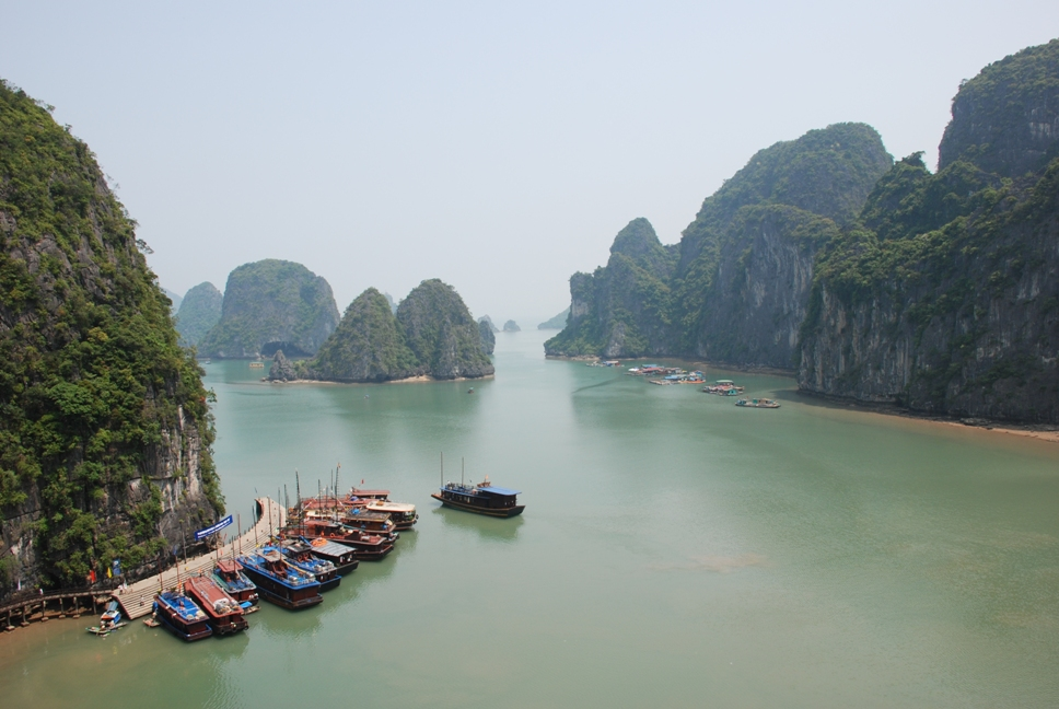 Ha Long Bay Vietnam Djoser